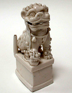 "19. Chinese dog incense burner porcelain, 18th century (7.5"" x 3.5"")"