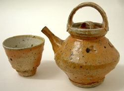 8. Salt-glazed stoneware teapot, 1984, H.18cm, with three handleless cups